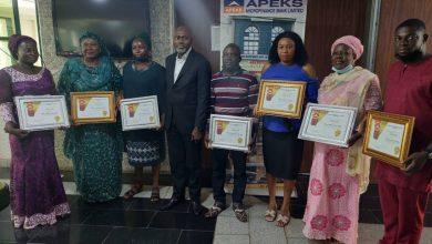 Photo of Apeks Microfinance bank rewards customers with cash, awards